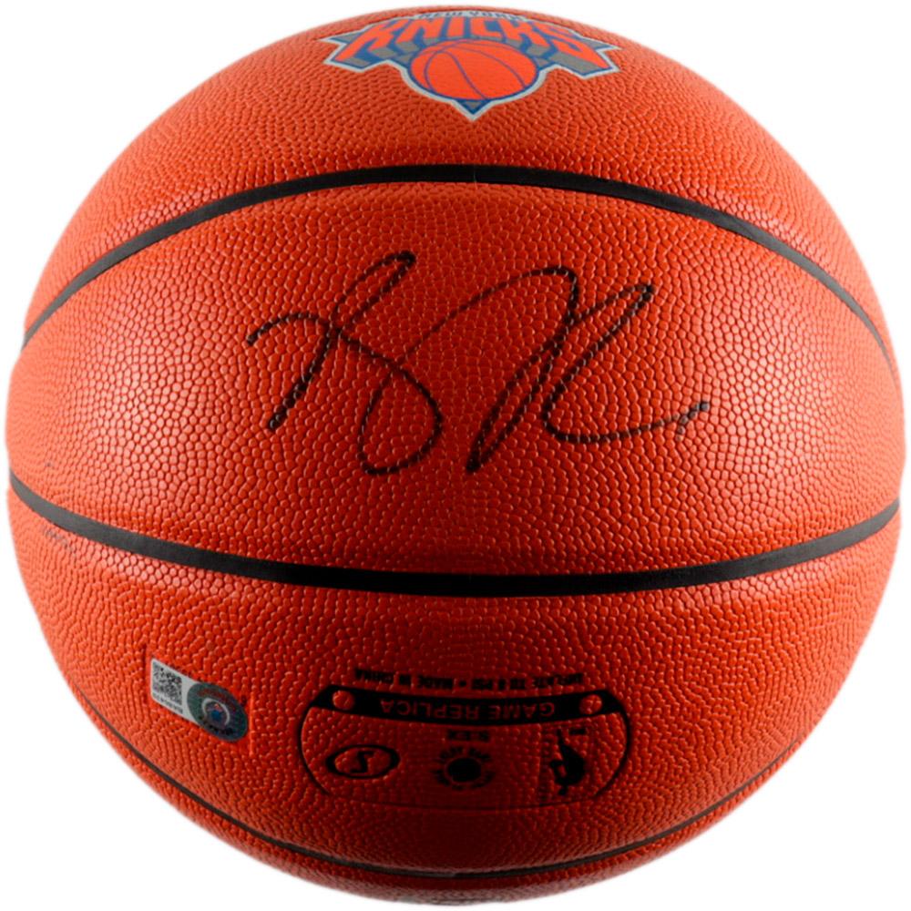 Basketball – Derrick Rose Knicks Hand Signed Basketball (Beckett...